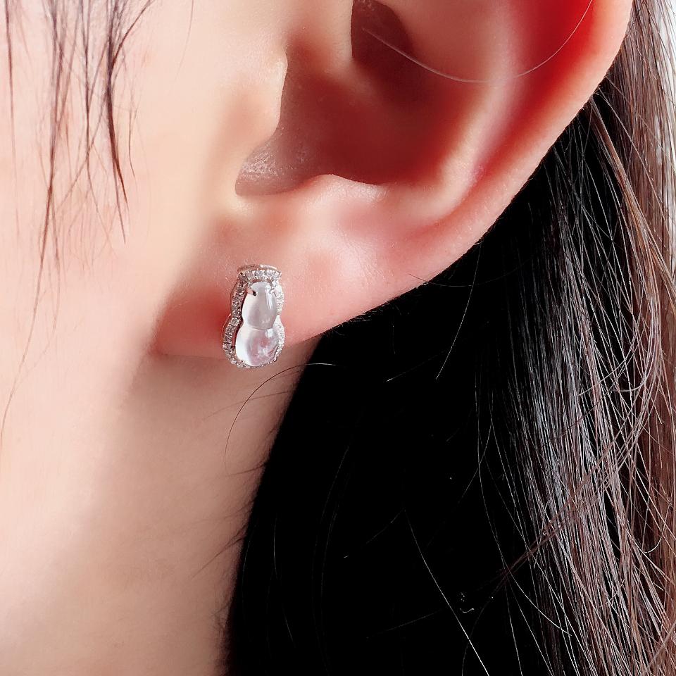 冰种起莹光无色葫芦翡翠耳钉一对 镶白金钻石第8张