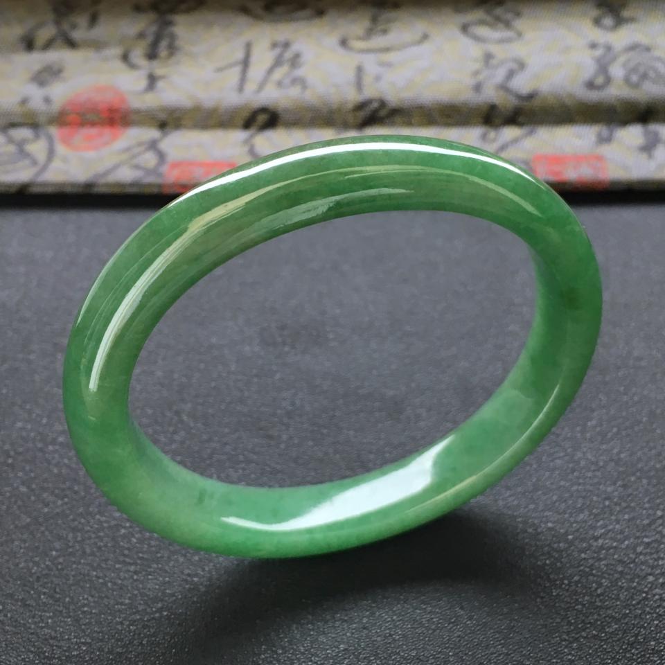 冰种满绿翡翠手镯 (贵妃)第1张