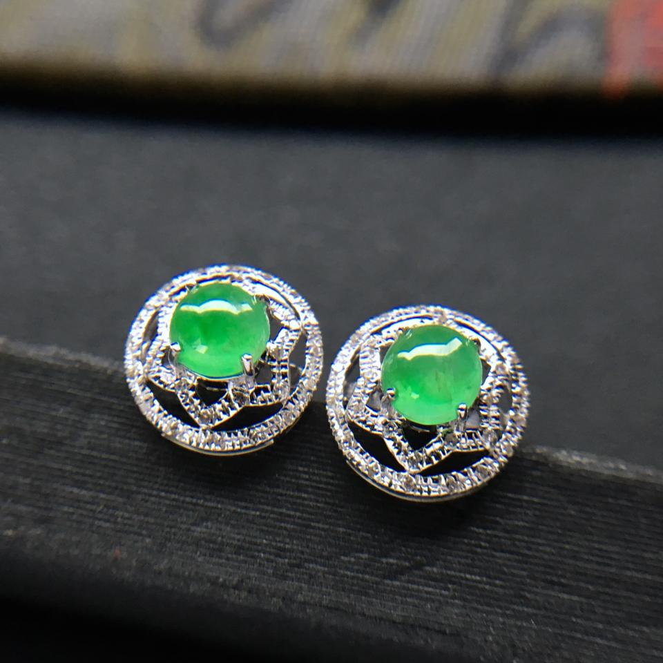 飘绿冰种翡翠耳钉一对 镶白金钻石第3张