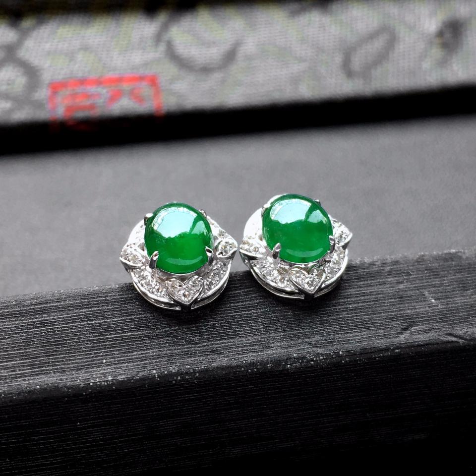 冰种阳绿翡翠耳钉一对 镶白金钻石第5张