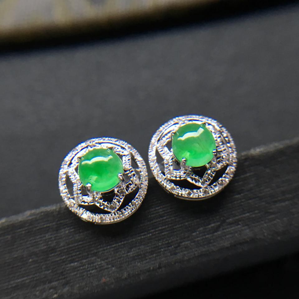 飘绿冰种翡翠耳钉一对 镶白金钻石第7张