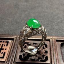 翠色冰种翡翠戒指 镶白18K金钻石