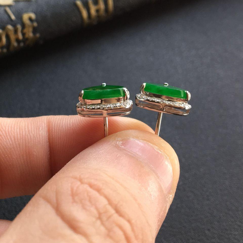 阳绿糯冰种水滴翡翠耳钉 镶白金钻石第5张