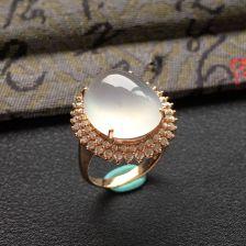 无色冰种翡翠戒指 镶玫瑰金钻石