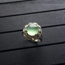 晴水冰种翡翠戒指 镶白金钻石