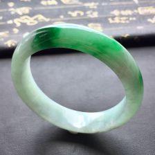冰种阳绿翡翠手镯