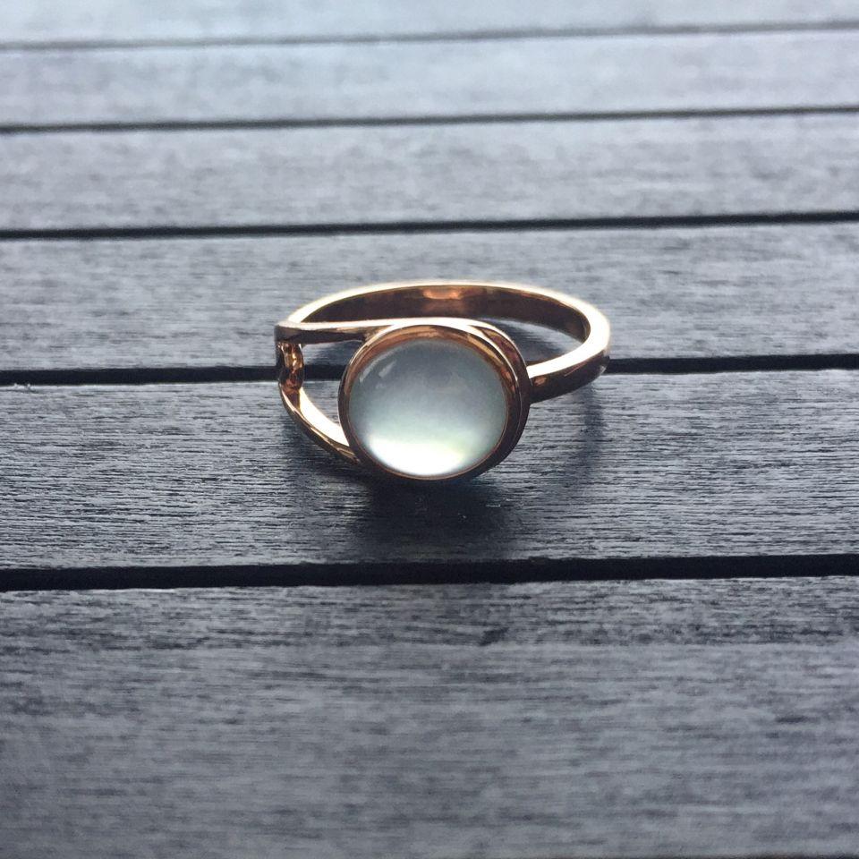 冰玻种无色翡翠戒指 镶玫瑰金第4张