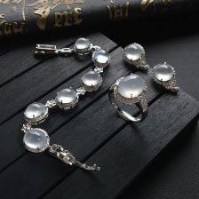 冰种无色翡翠戒指/耳钉/手链镶白金钻石
