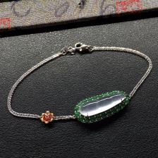 无色冰种四季豆翡翠手链 镶白金红宝石