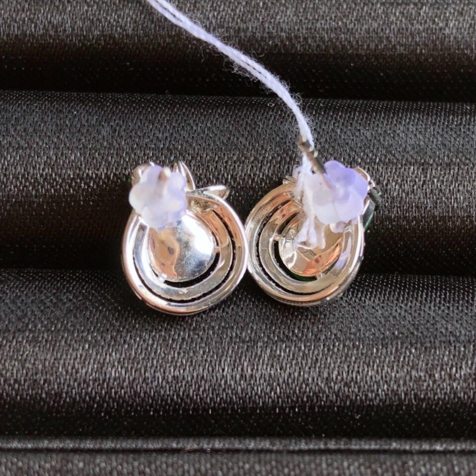 冰种阳绿葫芦翡翠耳钉 镶白金钻石