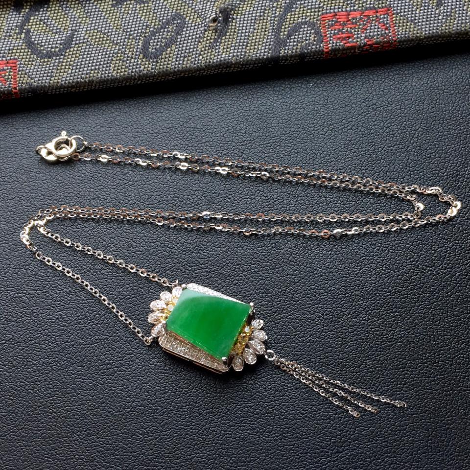 飘翠冰种平安牌翡翠锁骨链 镶白金钻石第1张