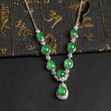 晴水冰种翡翠项链镶白18K金钻石