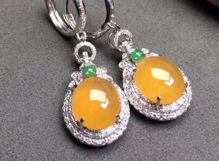 这几款性价比极高且精美的黄翡饰品,绝是你不容错过!