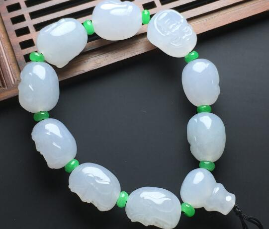 """翡翠珠子拥有""""极致奢华""""的称号,并无道理的"""