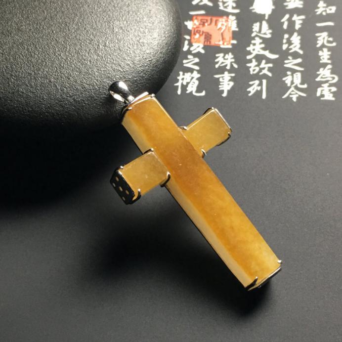 糯种翡翠十字架镶嵌款价格图片大全,基督教徒分外喜欢!
