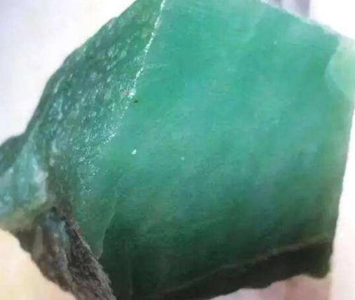 东陵石是什么2.png