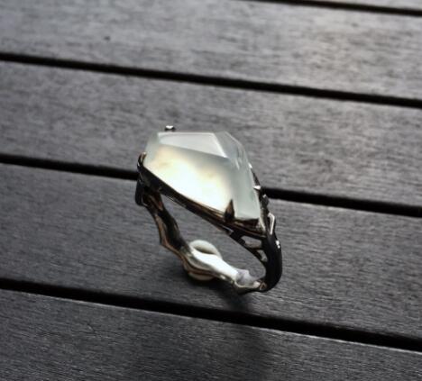 冰种淡晴水随形翡翠戒指.jpg