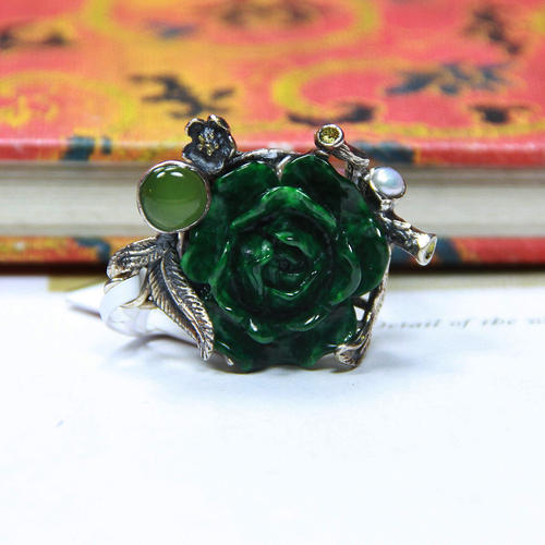 翡翠玫瑰花