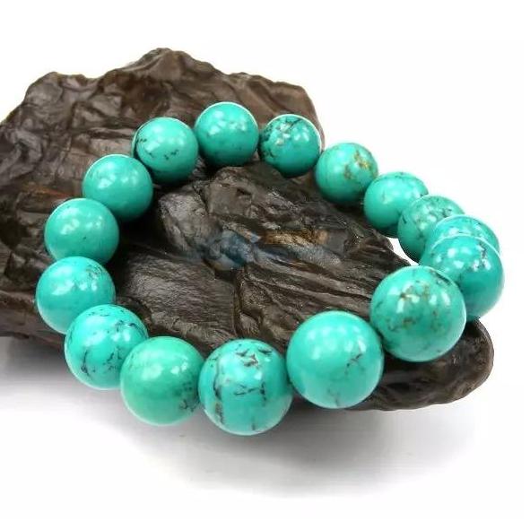 优化绿松石对身体有危害吗?能佩戴在身上吗?