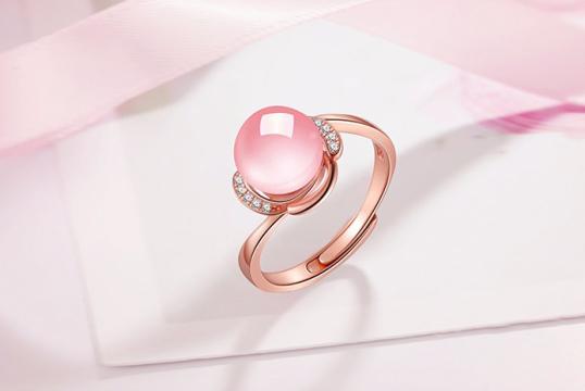 天然芙蓉石18k玫瑰金镶钻戒指