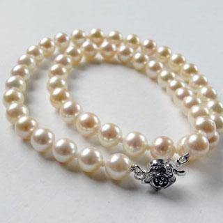 白色珍珠项链怎样保养