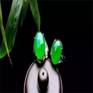翡翠戒指的寓意和象征