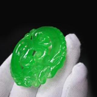 翡翠里帝王綠和陽綠的區別