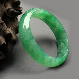 正阳满绿高冰种翡翠手镯价格多少