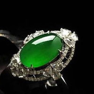 玻璃种帝王绿翡翠戒面价格