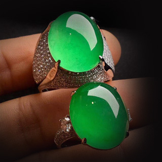 帝王绿翡翠戒指镶嵌款式