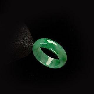 十个指头戴戒指的含义
