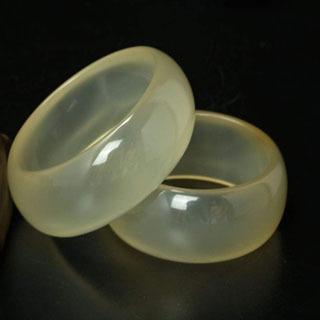 隐晶质结构的玉石好吗