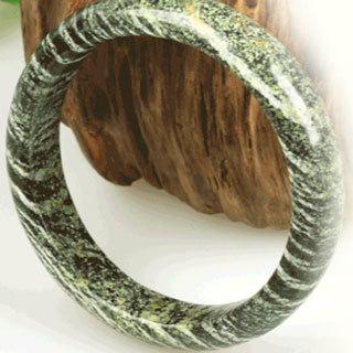 蛇纹石是玉吗