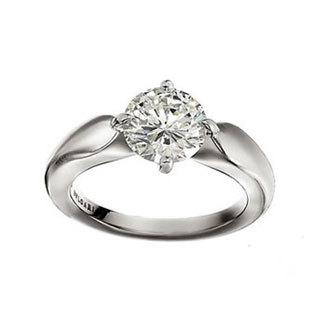 白金镶钻戒指的价格