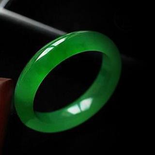 翡翠绿手镯价格