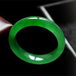 翡翠陽綠和帝王綠區別