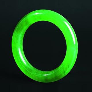 翡翠果綠和陽綠的區別