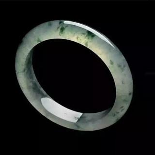 翡翠原石白霧打燈表現
