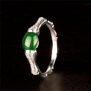 18k金镶嵌翡翠戒指多少钱