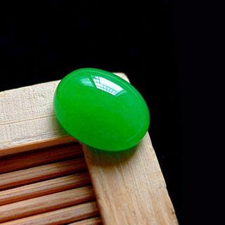 冰阳绿翡翠蛋面配什么戒托