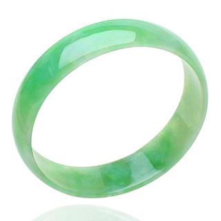 果綠色和陽綠色翡翠區別