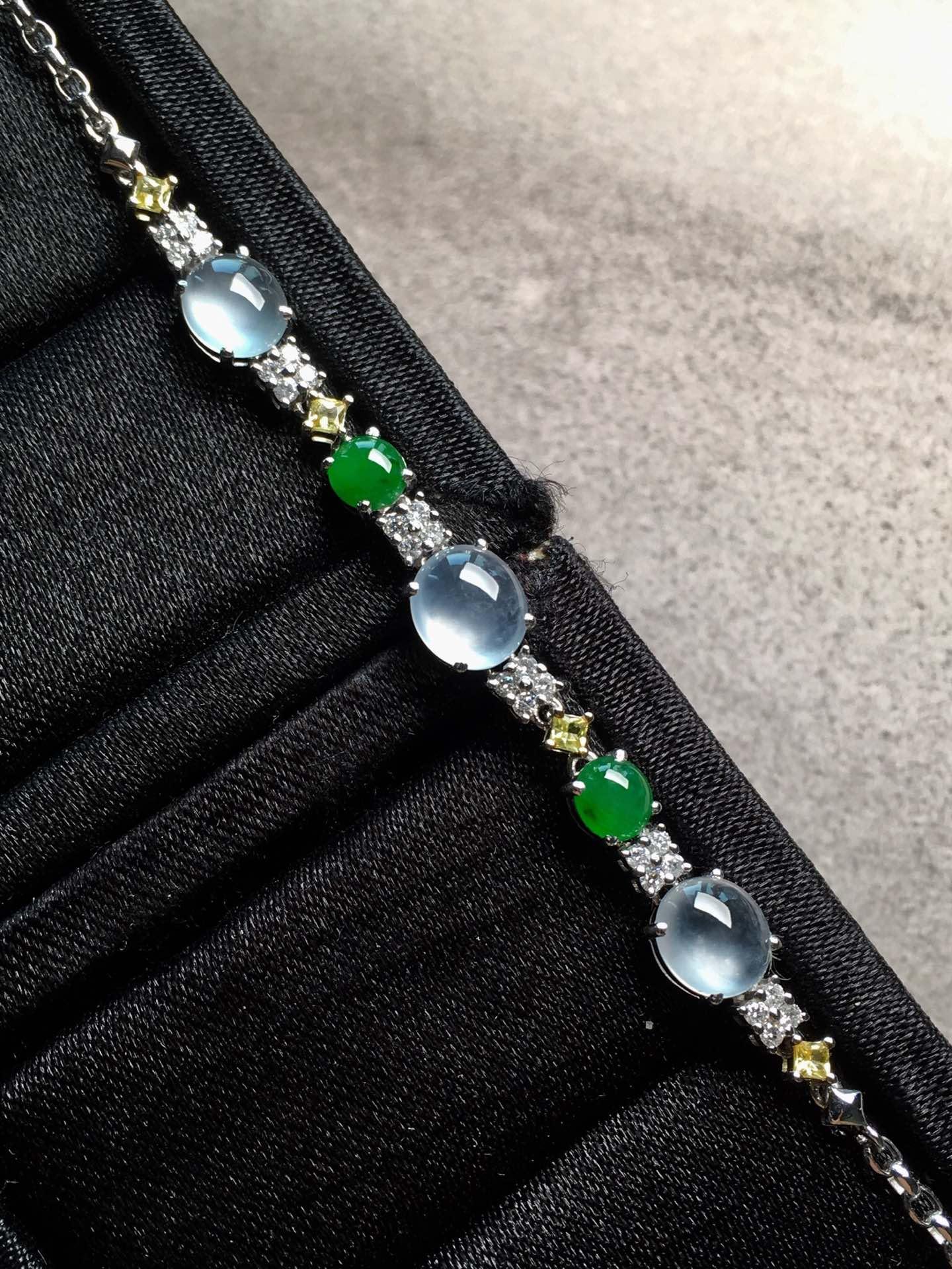 特惠高冰纯净阳绿起胶手链裸石尺寸6.8/6.1/3.2mm,4.5/4.2/2.5mm