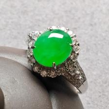 高冰种阳绿蛋面戒指,整体:12.6-11.2-8.8,裸石:9-7.8-3.3mm