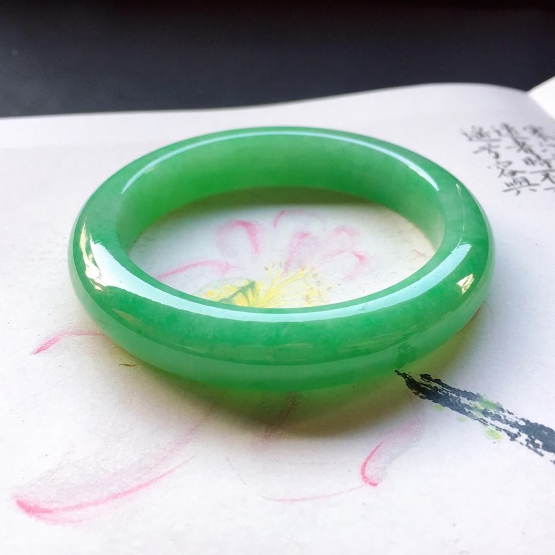 阳绿满色平安手镯,正圈尺寸:54 .2/11.5/8.6mm重55.4g
