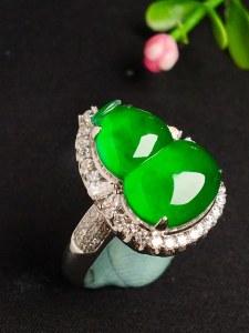 冰种辣绿葫芦戒指,色辣,戒指内圈17裸石尺寸16-12-4