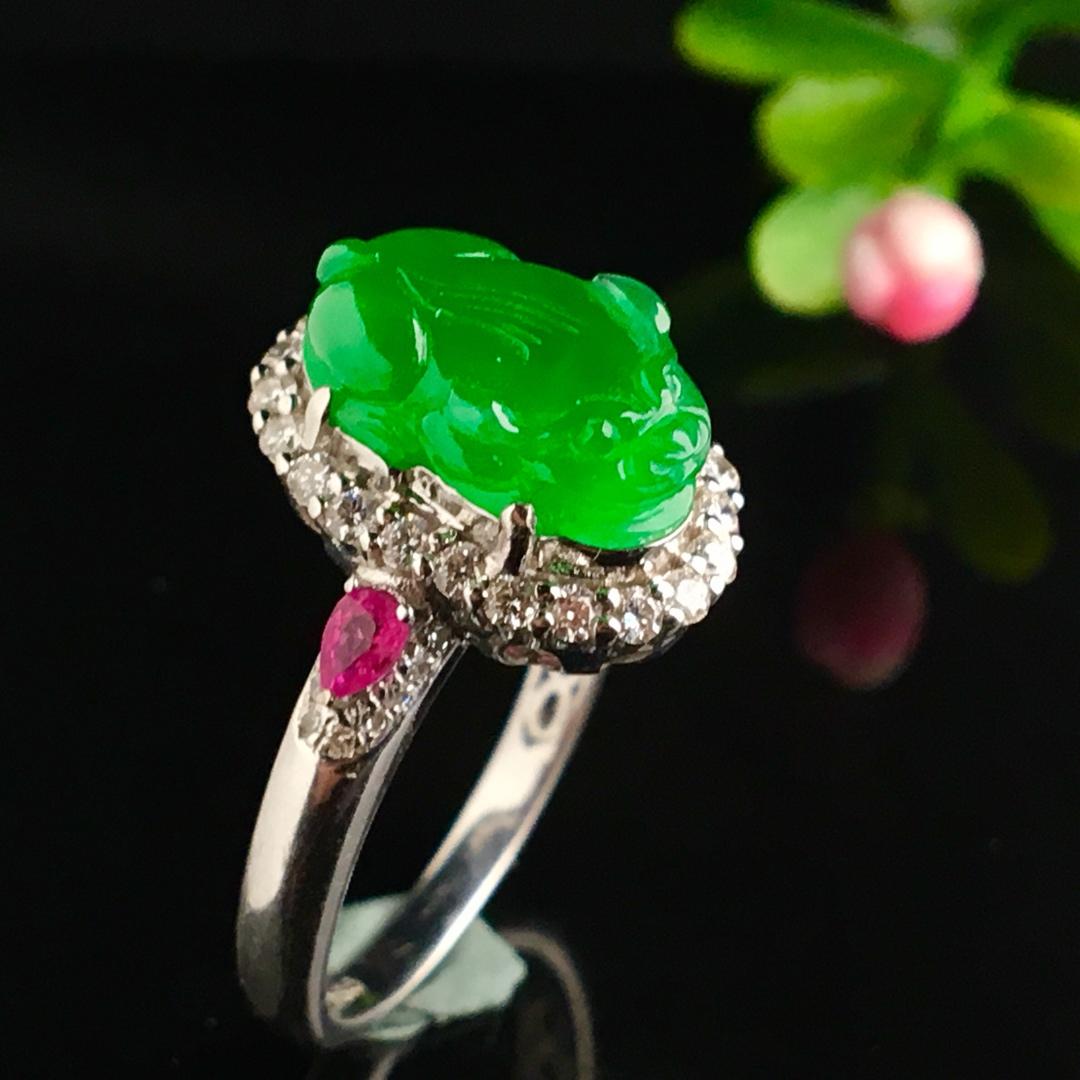 冰阳绿貔貅戒指,色阳,戒指内圈17裸石尺寸12.5-8-4.5,特惠价
