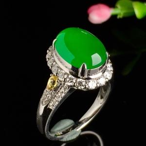 冰阳绿戒指,色阳,饱满,戒指内圈17裸石尺寸11.5-8.8-5