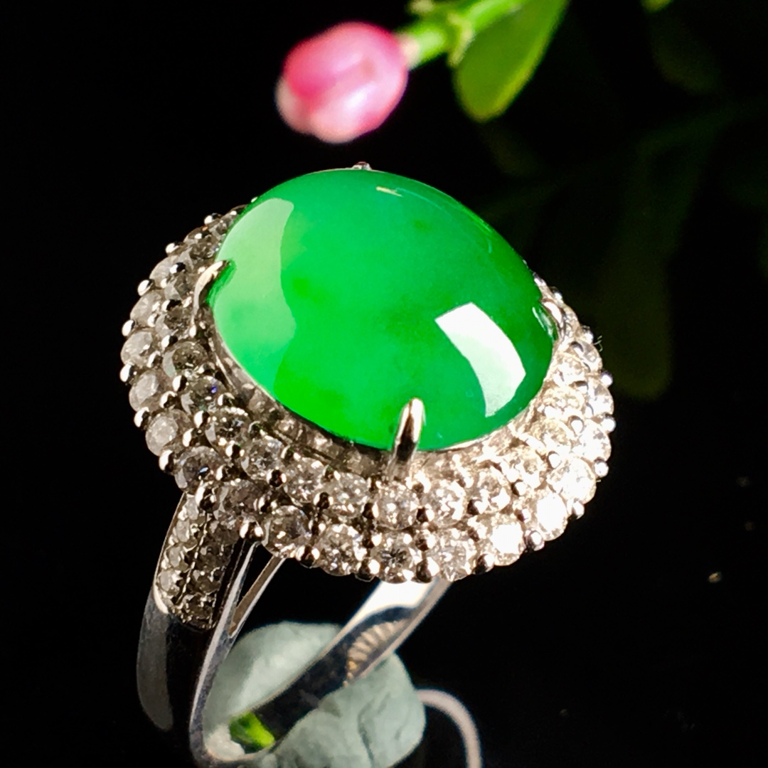 冰阳绿戒指,色阳,饱满,戒指内圈17裸石尺寸12.5-11-5.5