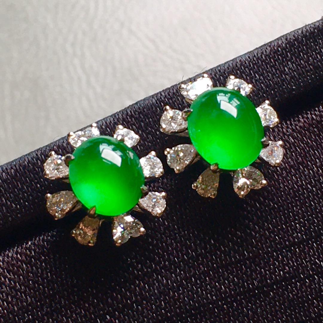 高冰熒光綠蛋面耳釘,裸石尺寸6.4/5.3/4mm