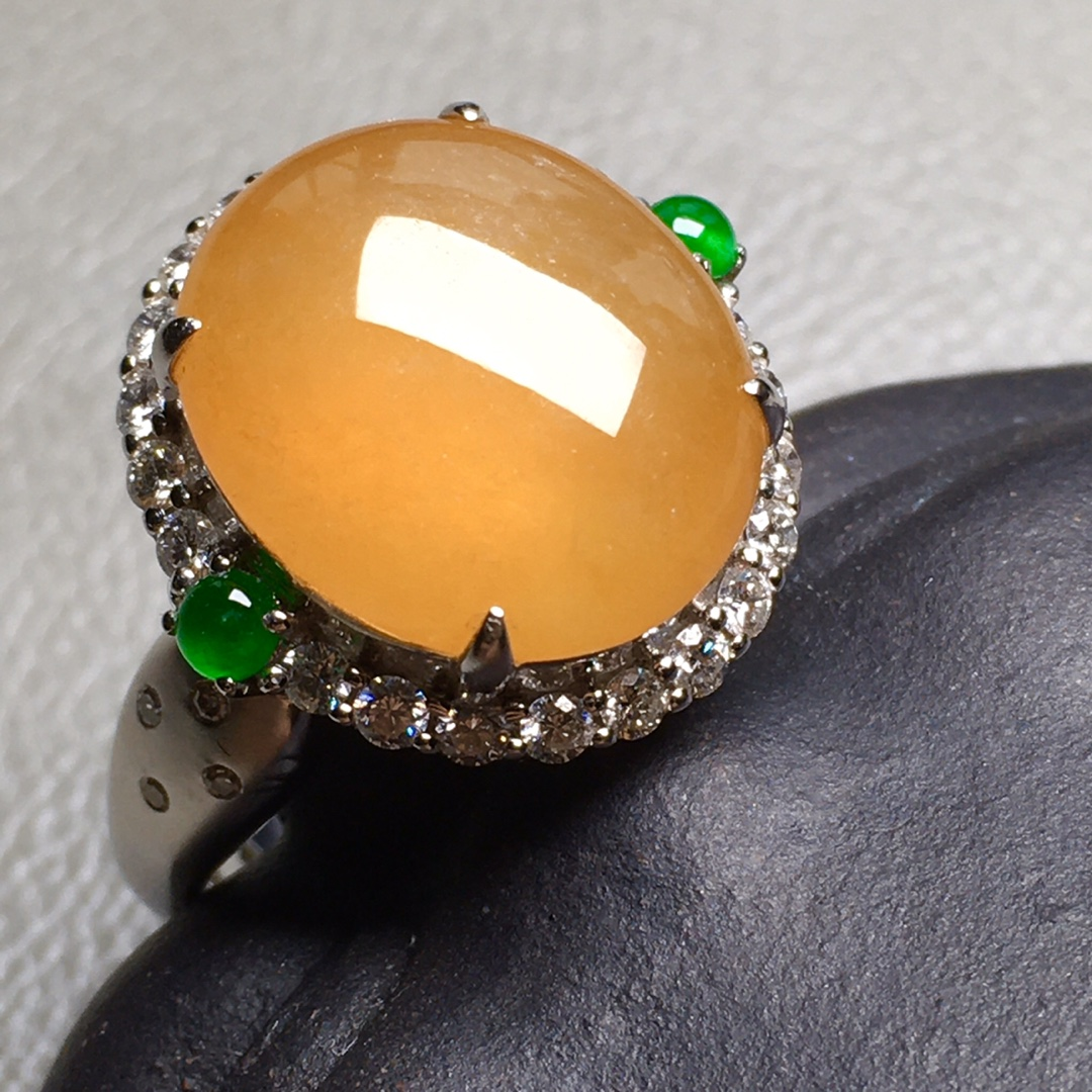 高冰纯黄大蛋戒指,裸石尺寸14.1/12.6/4.4mm